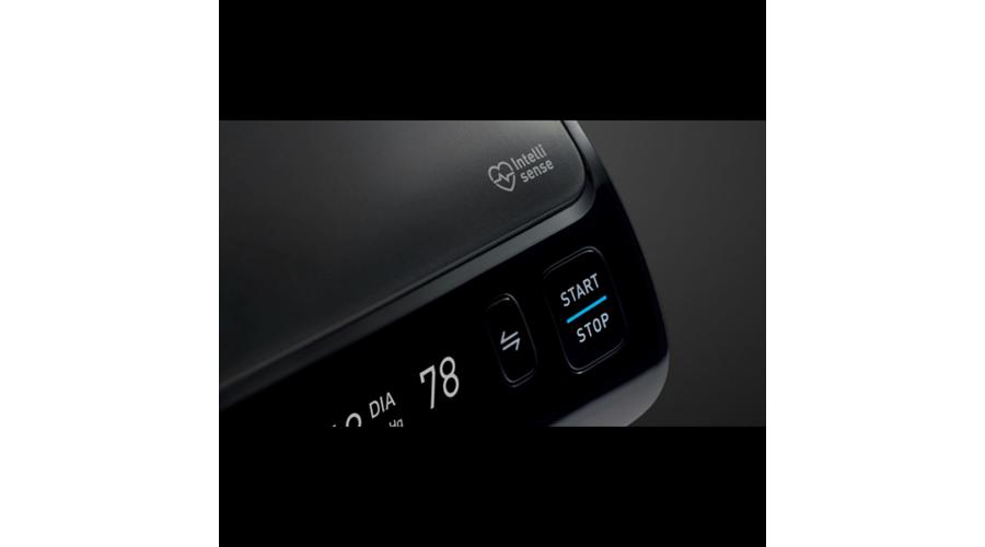 Omron EVOLV Intellisense felkaros okos-vérnyomásmérő